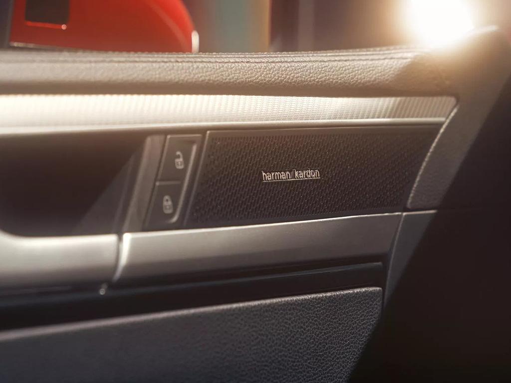 Nieuwe_Volkswagen_Arteon_-_harman_kardon_geluidsinstallatie_-_modelpagina.jpg