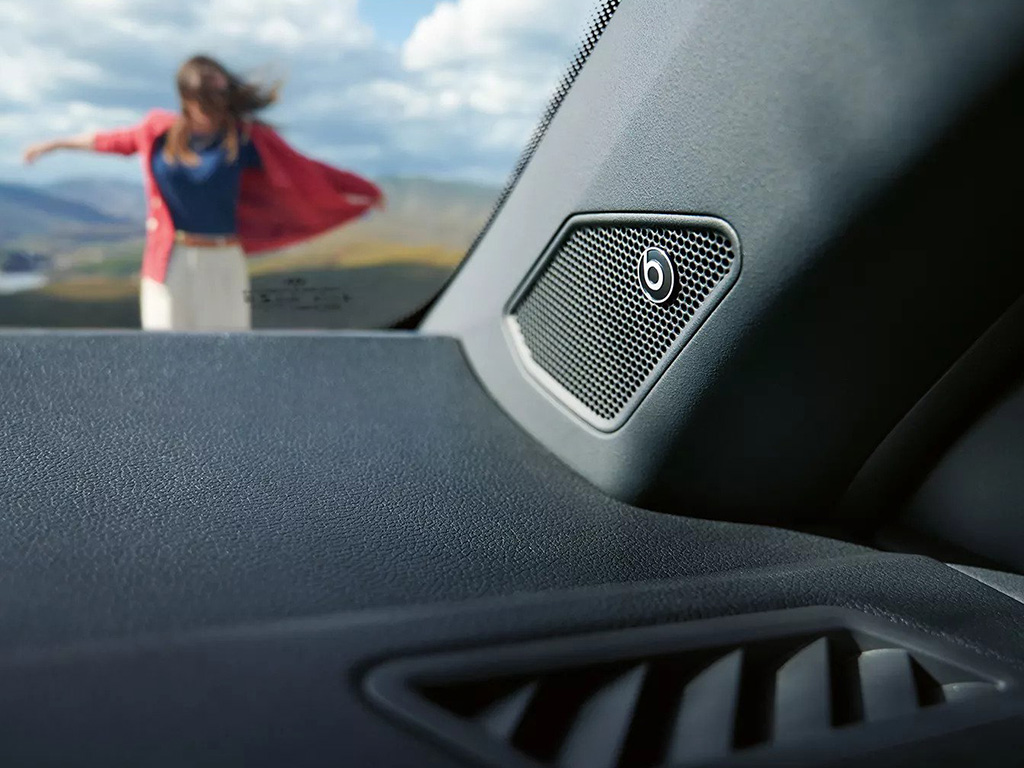 Volkswagen_T-Roc_Cabrio_-_MP_-_Beats_Audio.jpg