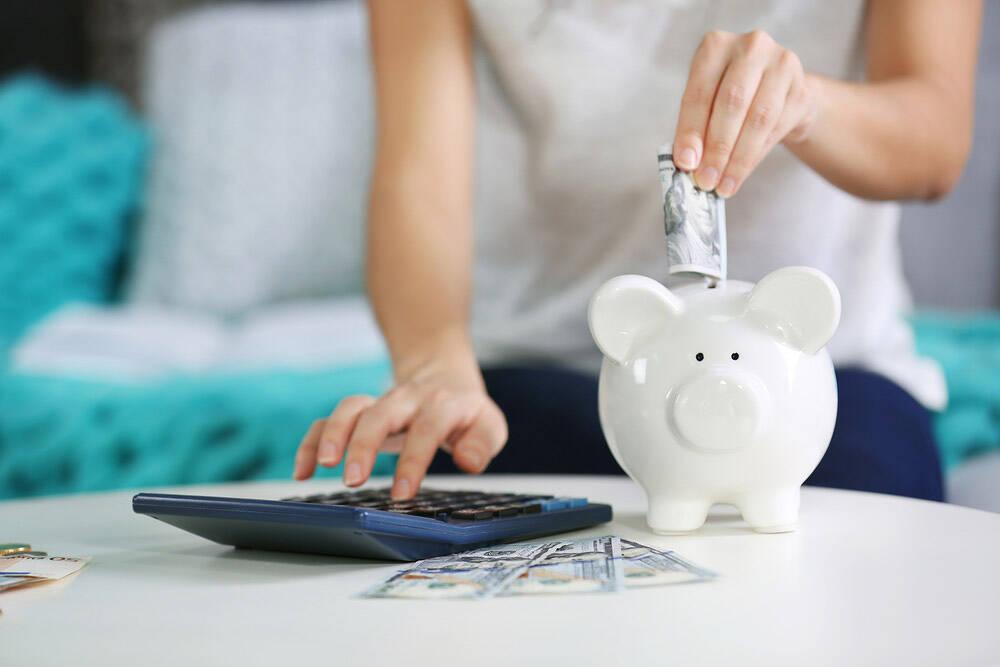 Lokata czy konto oszczędnościowe - co się bardziej opłaca?