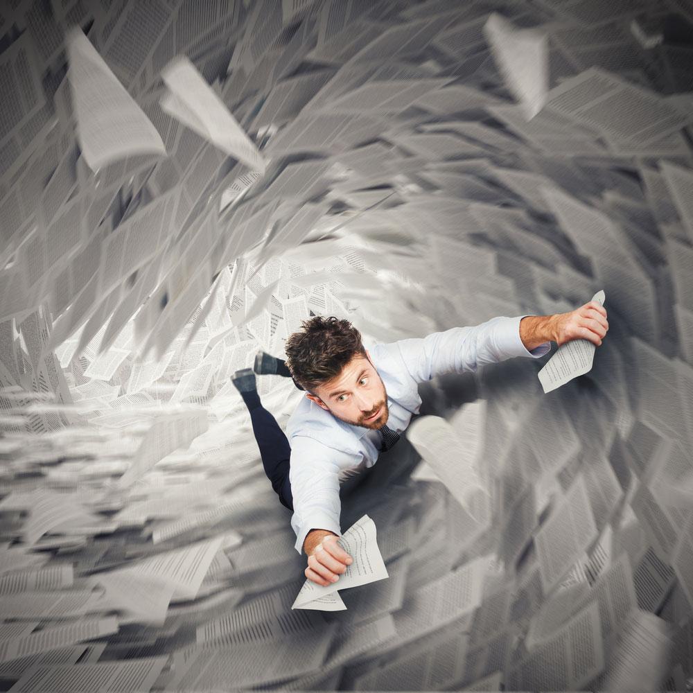 Czym jest spirala zadłużeń i jak się z niej wydostać