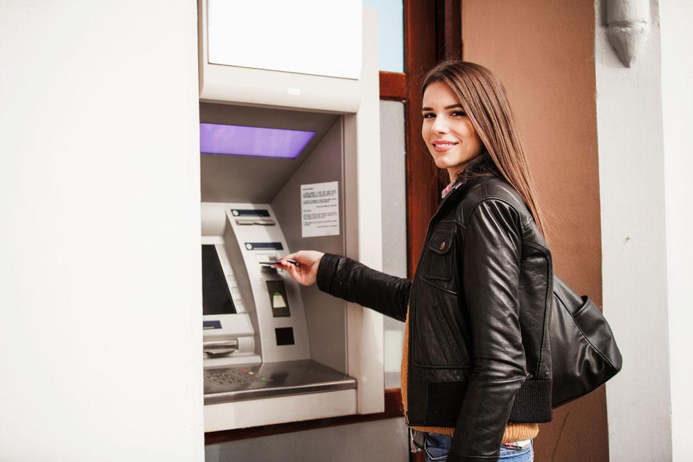 Sprawdzenie salda w bankomacie - porównanie ofert