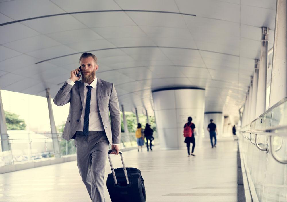 Czy warto ubezpieczyć pracownika na czas zagranicznej podróży służbowej?