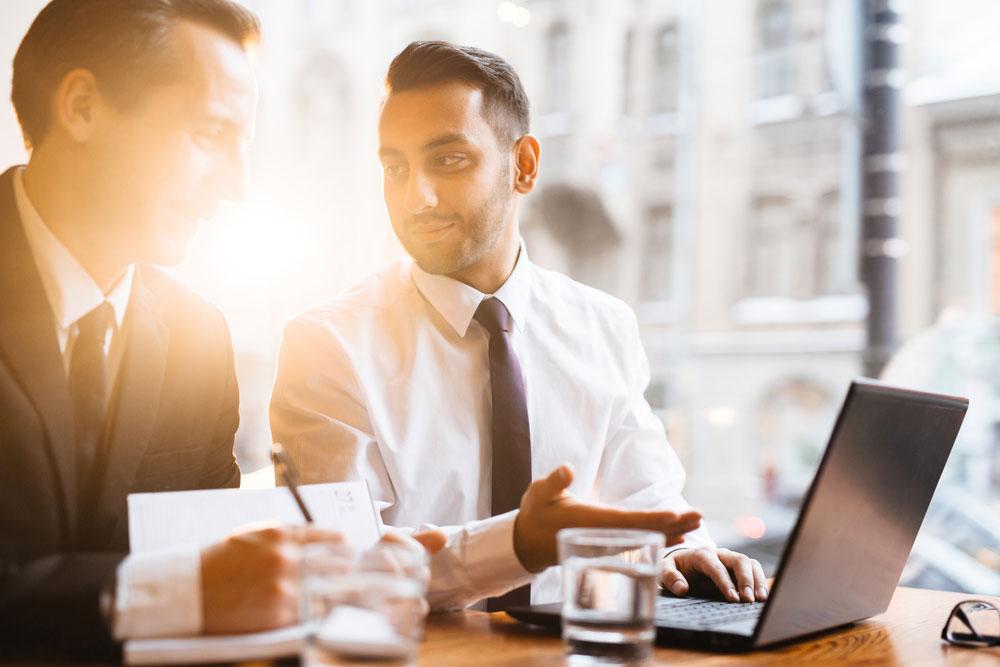 Kim jest broker ubezpieczeniowy i jaka jest jego rola?