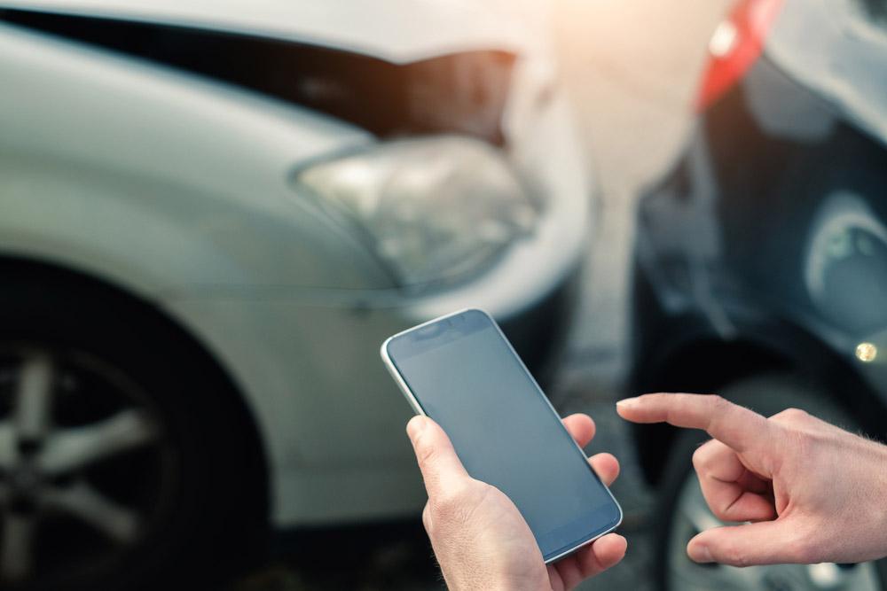Postępowanie w trakcie wypadku samochodowego
