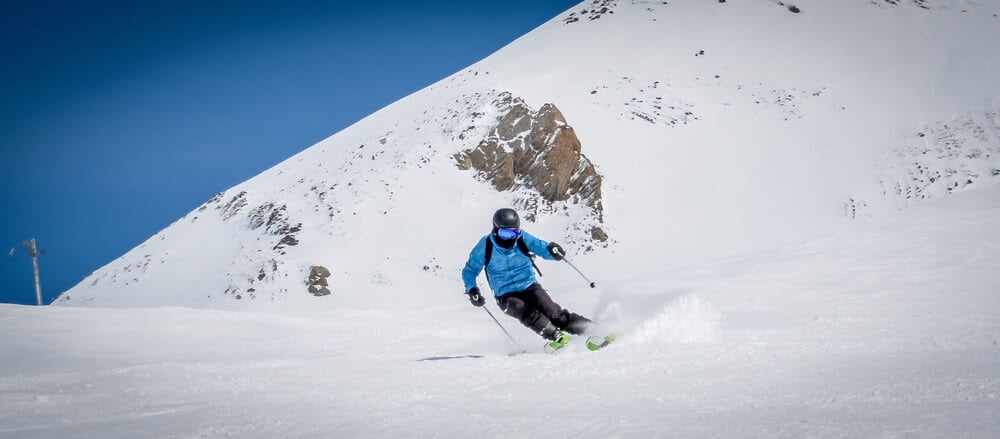 Co obejmuje i jak wykupić ubezpieczenie narciarskie
