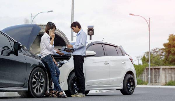 Porówneo: Oświadczenie o zdarzeniu drogowym - jak je sporządzić?