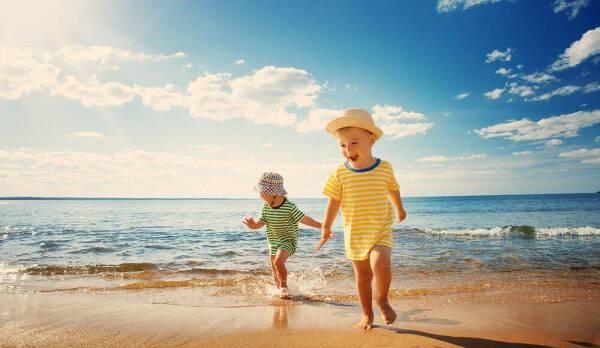 Porówneo: Gdzie na wakacje z dzieckiem? Pięć sprawdzonych miejsc