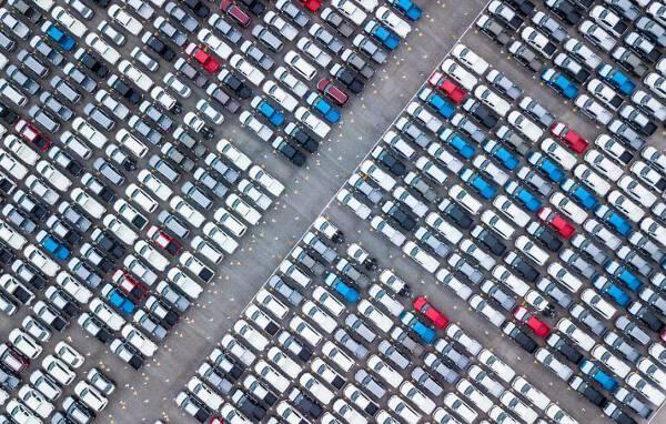 Porówneo: Stłuczka na parkingu - jak trzeba się zachować w takiej sytuacji?