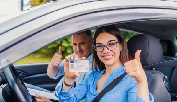 Porówneo: Zdane prawo jazdy – co dalej?