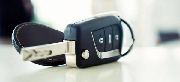 Porówneo: Dorobienie kluczyka z immobilizerem krok po kroku