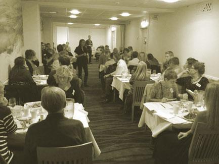 middag med mordgåta stockholm