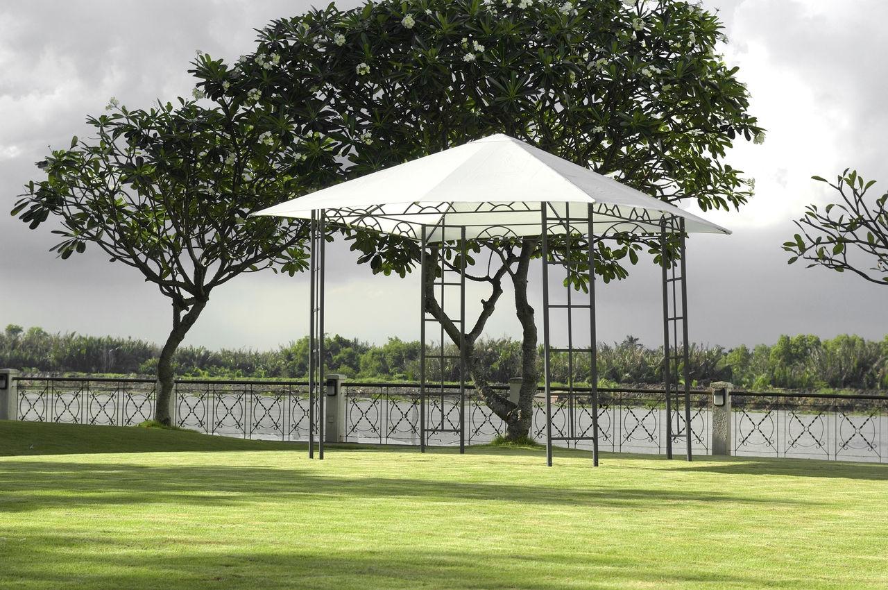 Parasole Ogrodowe I Pawilony Z Letnich Wyprzedaży