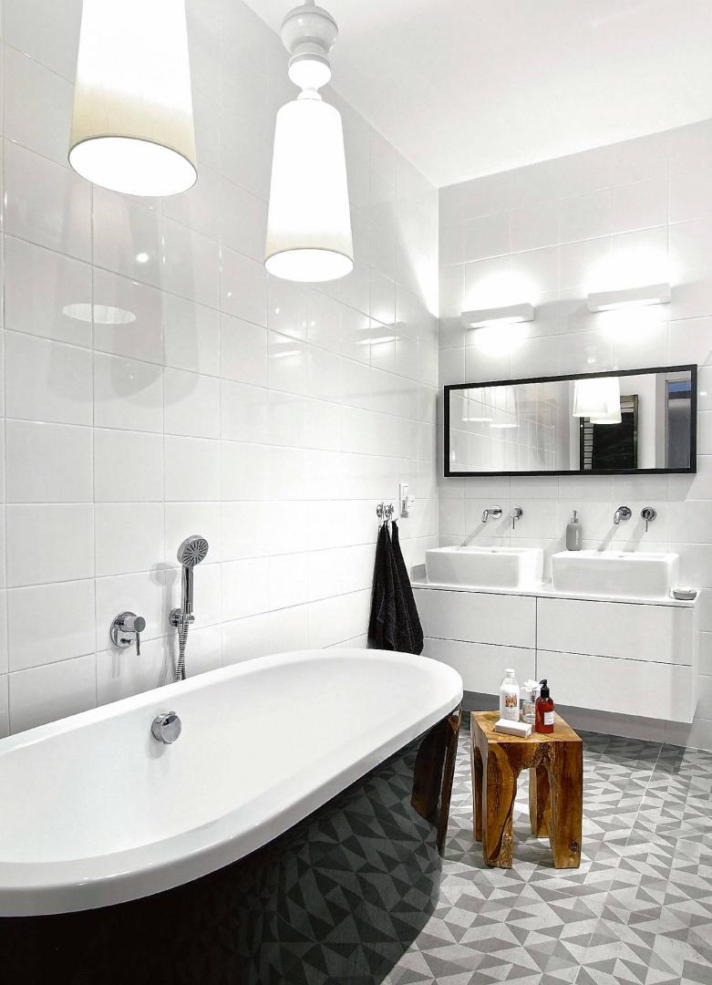 Jasna łazienka Jakie Oświetlenie Wybrać Do łazienki
