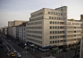 """""""Bankowiec"""" Zespół Mieszkaniowy BGK, ul. 3 Maja 27/31 Gdynia. Zbudowany w latach 1935-1939 ."""