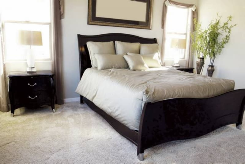 Podłoga W Sypialni Cicha I Ciepła ładny Dom