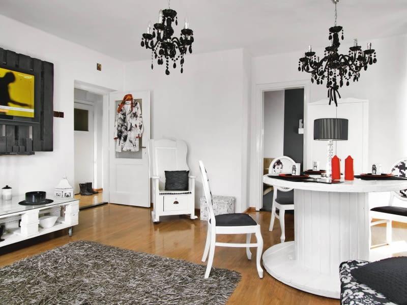 salon, wystrój wnętrz, czarno-białe mieszkanie, Folk Design