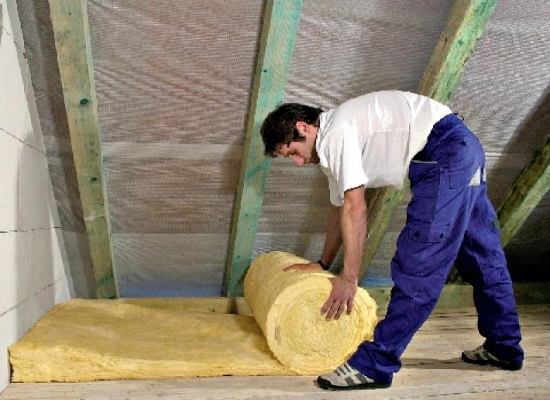 W domu z nieużytkowym poddaszem warto ocieplić strop nad ostatnią kondygnacją mieszkalną