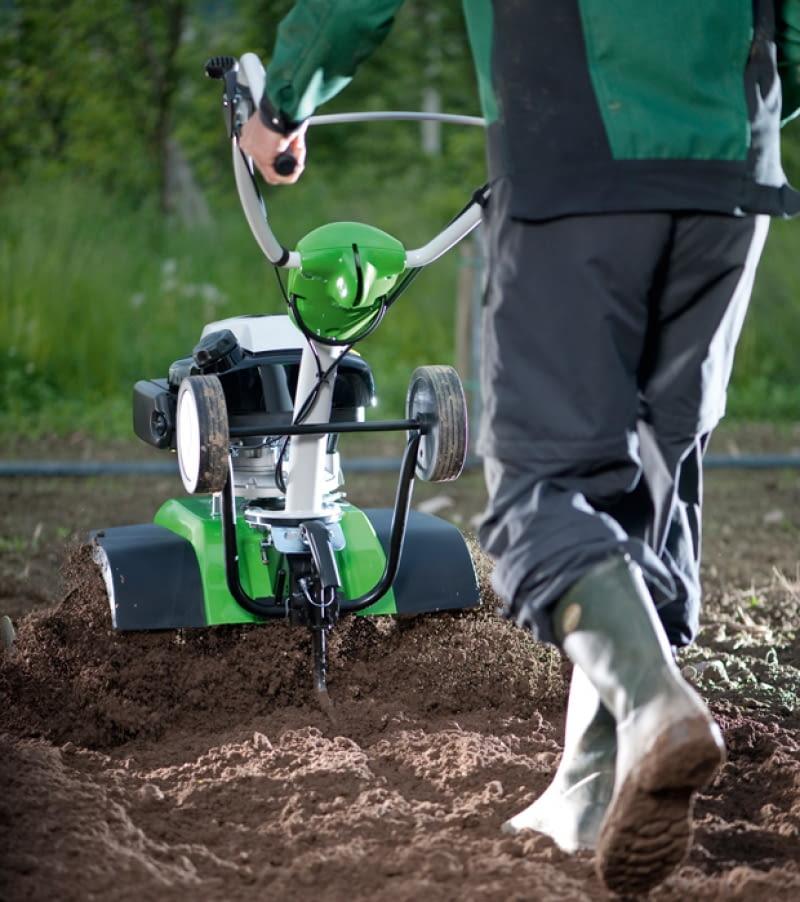 pielęgnacja roślin, pielęgnacja ogrodu, glebogryzarka