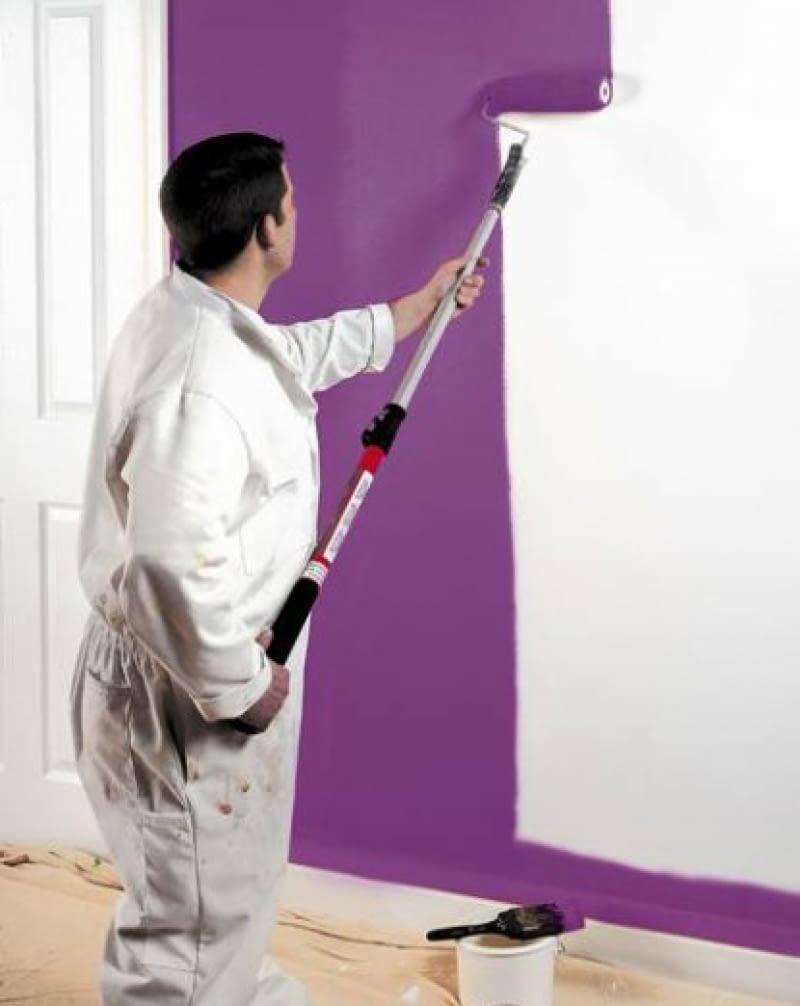 Malowanie ścian. Wałek jest najwygodniejszym narzędziem nie tylko dla żółtodziobów