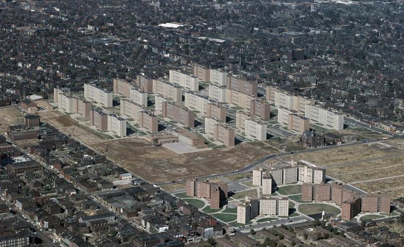 Wyburzenie Pruitt-Igoe - symboliczny upadek idei modernistów?