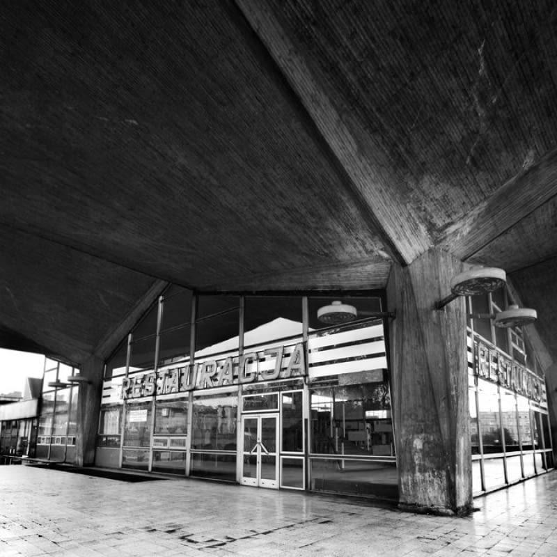 Dworzec kolejowy w Katowicach przeznaczony jest do rozbiórki, tymczasem eksperci biją na alarm! To cenny przykład modernizmu na skalę światową