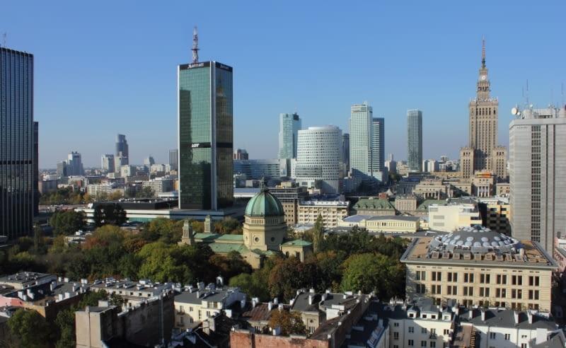 Panorama Warszawy z budynkiem Cosmopolitan przy Twardej