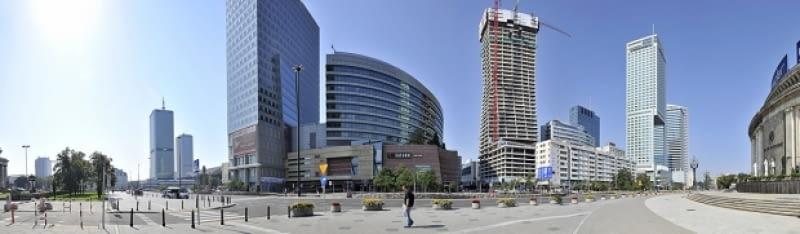 Żagiel Daniela Libeskinda wystrzelił w górę. Złota 44 ma już 44 piętra, do wybudowania pozostało ich już tylko 10. Powstające w sąsiedztwie najwyższego warszawskiego budynku- Pałacu Kultury i Nauki, dzieło amerykańskiego architekta ma być najwyższym apartamentowcem w Polsce. Docelowo ma mieć 54 piętra i 192 metry wysokości.