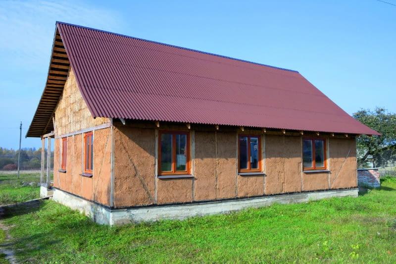 Glina, słoma, drewno to produkty naturalne, łatwo dostępne, tanie i przyjazne