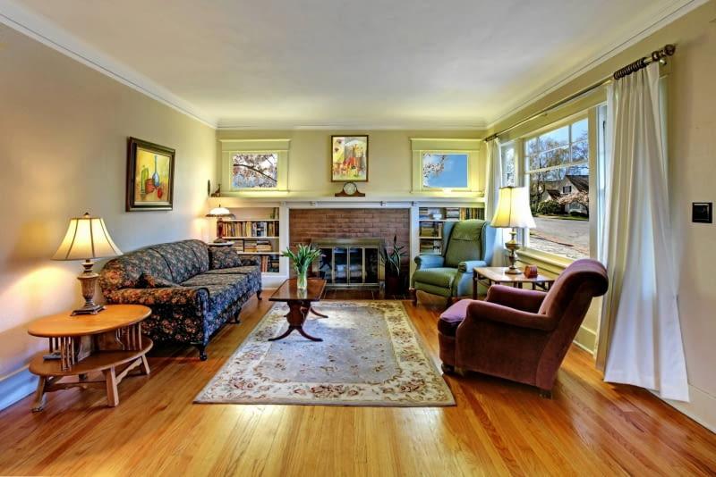 Salon z dywanem