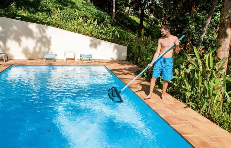 Podłączyć filtr piaskowy nad basenem naziemnym