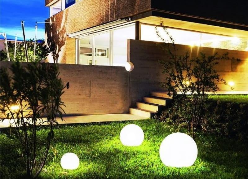 Oświetlenie Wokół Domu