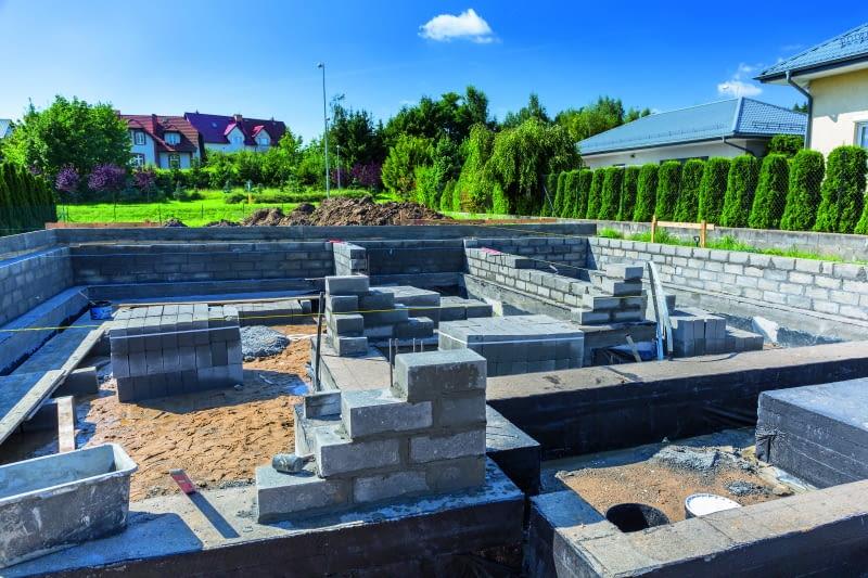 Jak wykonać ciepłe i szczelne fundamenty?