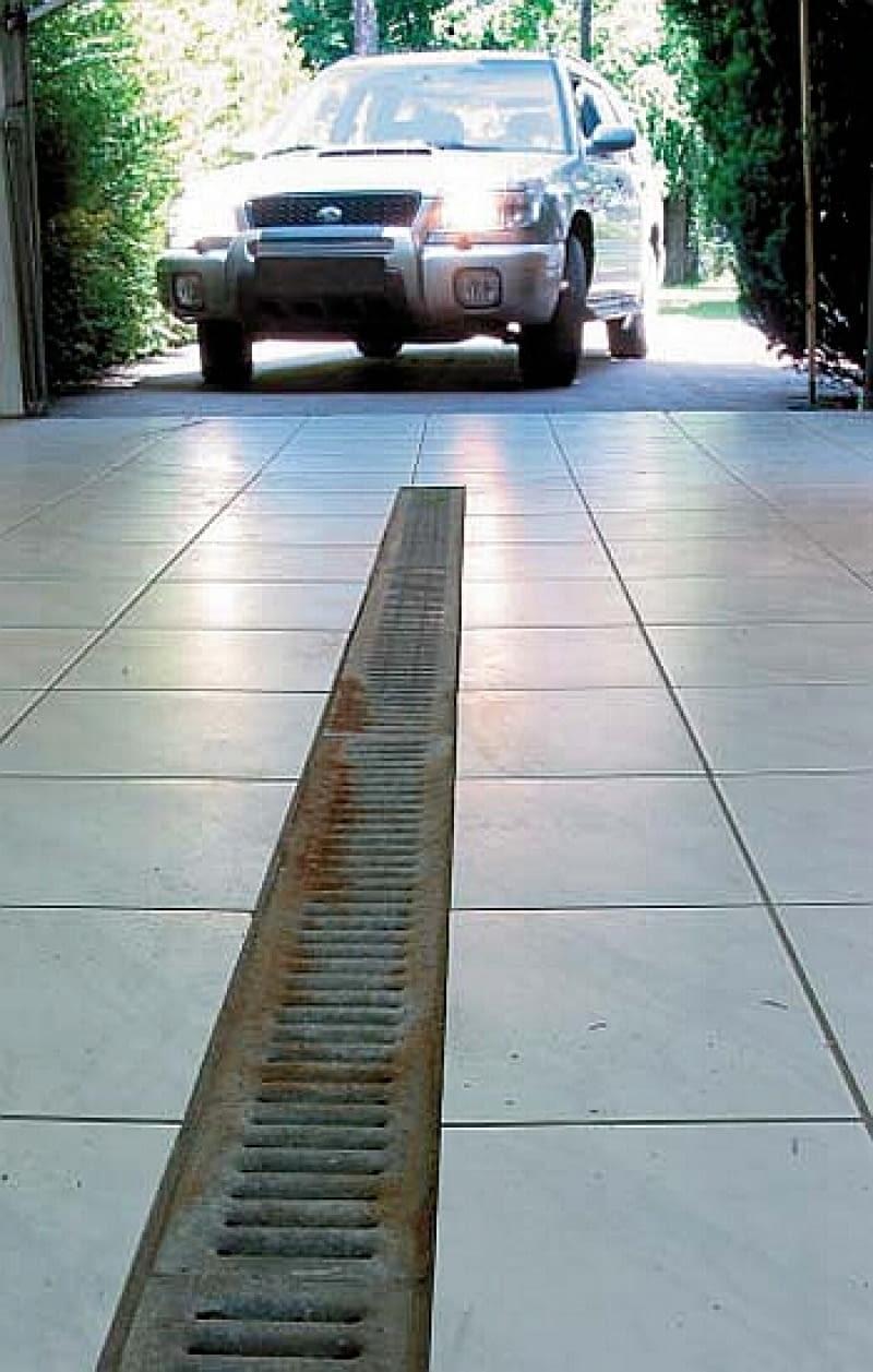 odwodnienie liniowe, podłoga w garażu, garaż
