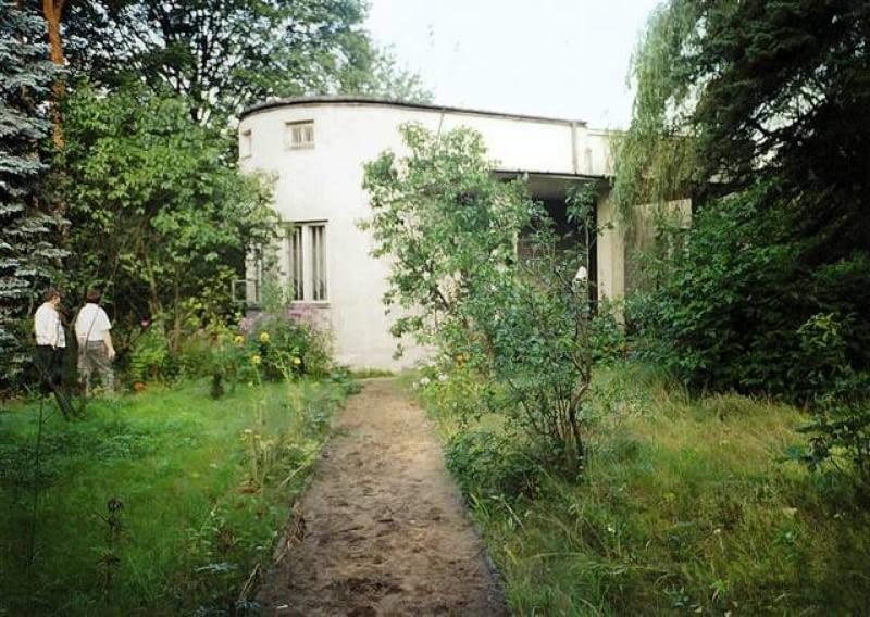 Dom przed rozbudową. Południowa elewacja
