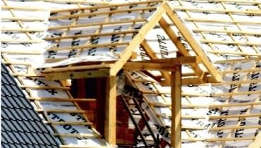 Lukarna o konstrukcji drewnianej - przed ułożeniem pokrycia