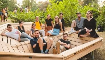 Grupa projektująca mebel dla Ogrodu Dendrologicznego Uniwersytetu Przyrodniczego