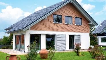 drewniany dom z prefabrykatów,domy z drewna,technologia budowy domu