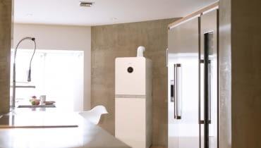 W dużej kuchni można bez kłopotu znaleźć odpowiednie miejsce na zainstalowanie stojącego kotła kondensacyjnego