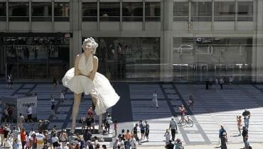 Rzeźba Marilyn Monroe w centrum Chicago