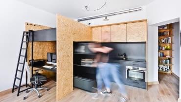 37-metrowe mieszkanie połączone z biurem. Jak udało się tyle zmieścić?