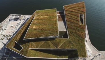 Convention Centre West w Vancouver należy do najbardziej spektakularnych zielonych realizacji tej dekady. fot. www.mcmparchitects.com