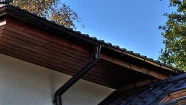 rynny, orynnowanie, okap dachu, rynny plastikowe, PVC