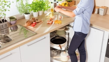 Jak rozplanować kuchnię? Nawet najmniejsza kuchnia może być wygodna!