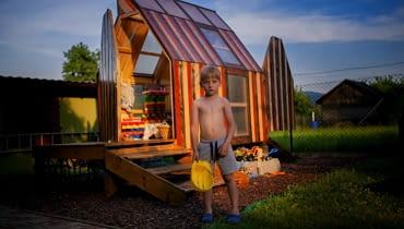 Domek w ogrodzie - zrealizowane marzenie syna