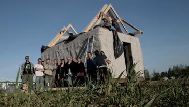 Dom z naturalnych materiałów w Laskowicach Pomorskich