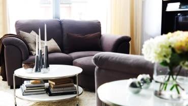 Stolik kawowy w salonie
