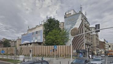 Murale 'Foton' i 'Jubiler' na kamienicy przy Targowej 15 w Warszawie.
