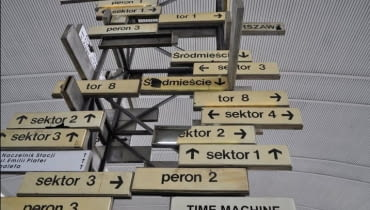 """""""Time Machine"""" na Dworcu Centralnym"""