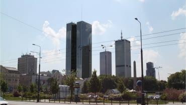 Wstępna koncepcja 170-metrowego wieżowca Roma Tower na działce Archidiecezji warszawskiej u zbiegu Nowogrodzkiej i ul. Emilii Plater
