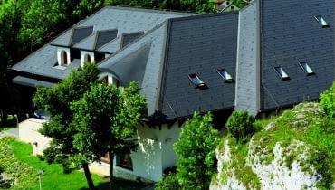dachówki płaskie, płytki włókno-cementowe